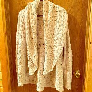 CAbi 720 oatmeal/ivory circle sweater size M